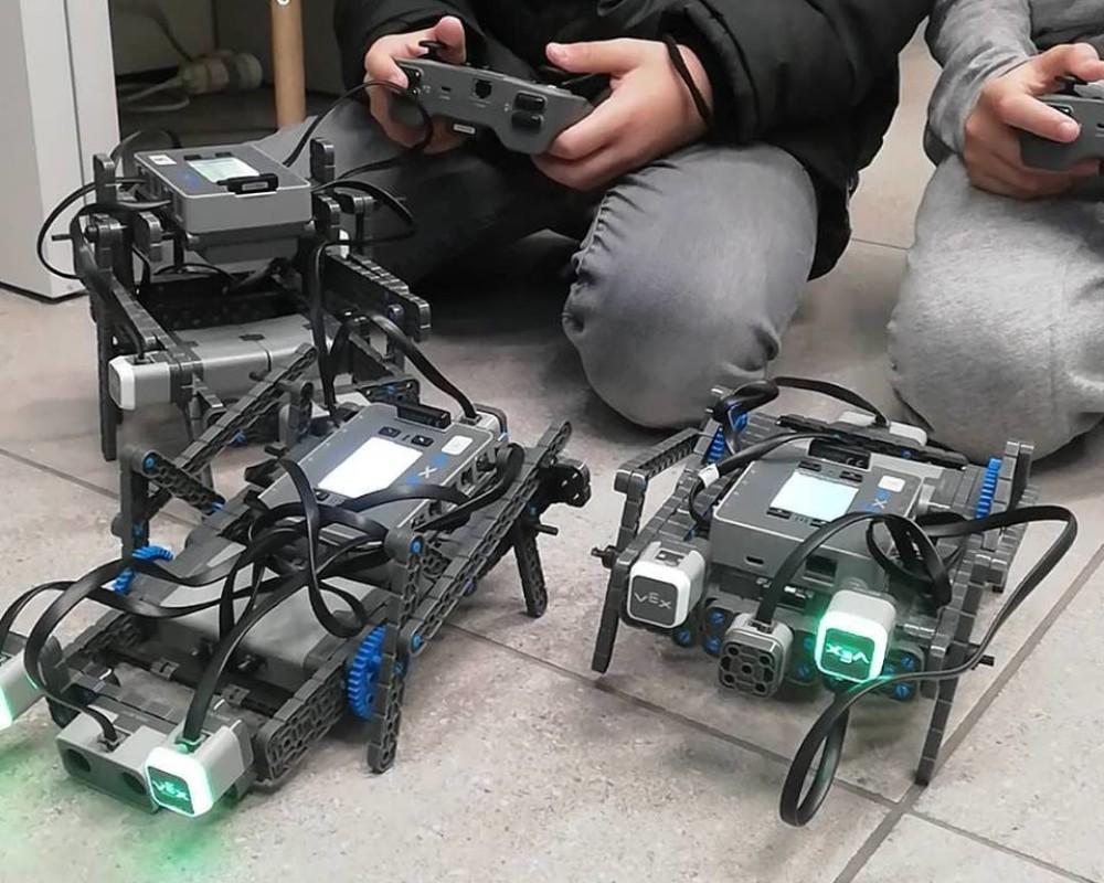 Τετράποδα ρομπότ VEX