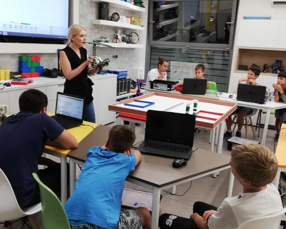 Μάθημα Ρομποτικής σε παιδιά ΣΤ' Δημοτικού
